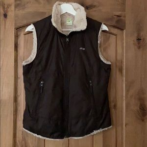 Reversible Koppen vest with pockets.